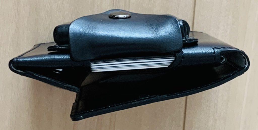 アブラサス薄い財布ローランドモデルの写真(薄いカードケースと組み合わせた状態)