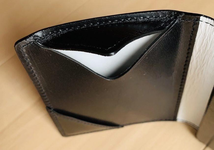 アブラサス薄い財布ローランドモデルの写真(鍵入れ部分)