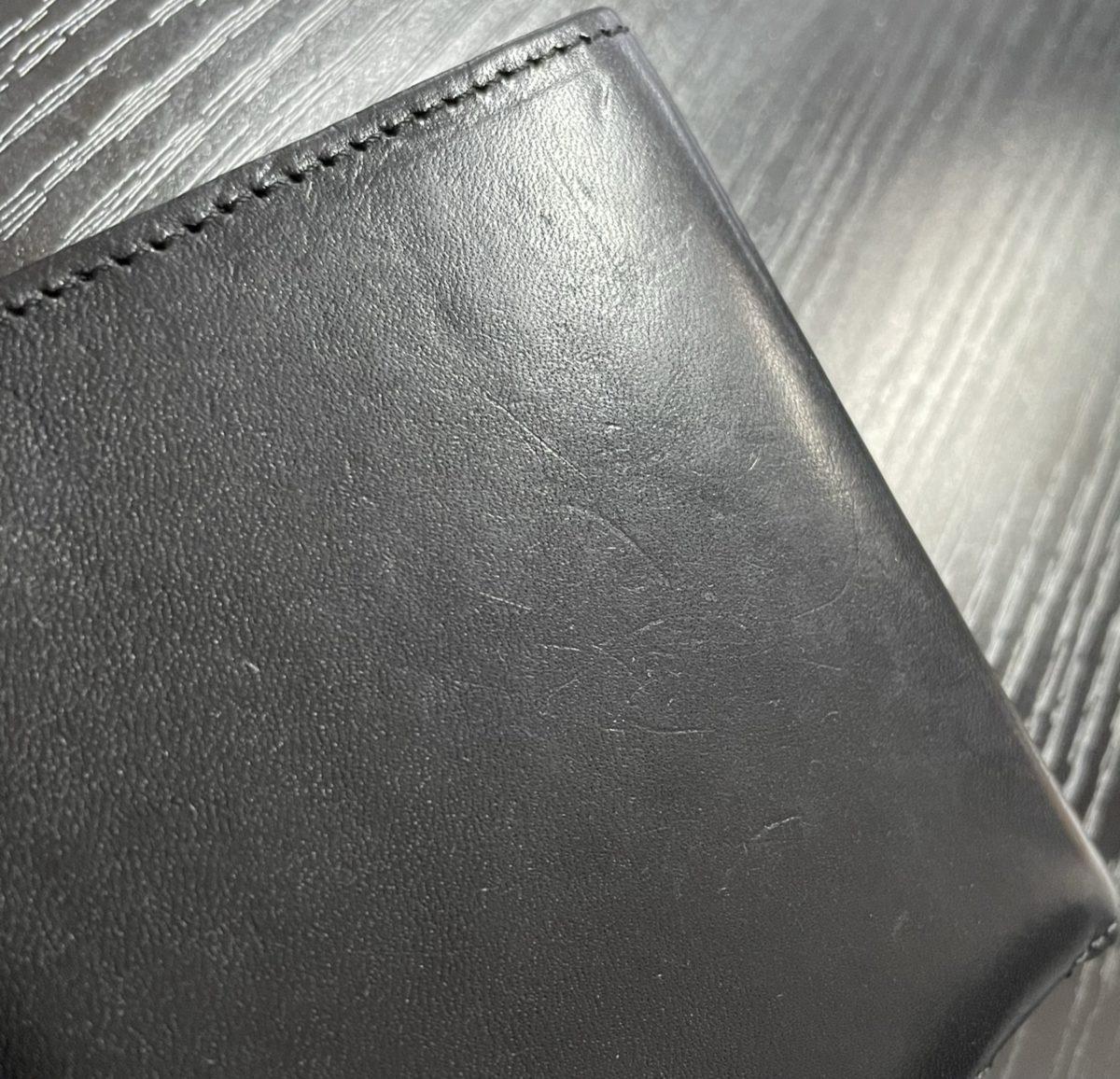 アブラサス薄い財布ローランドモデルの写真(8か月目の使用感)